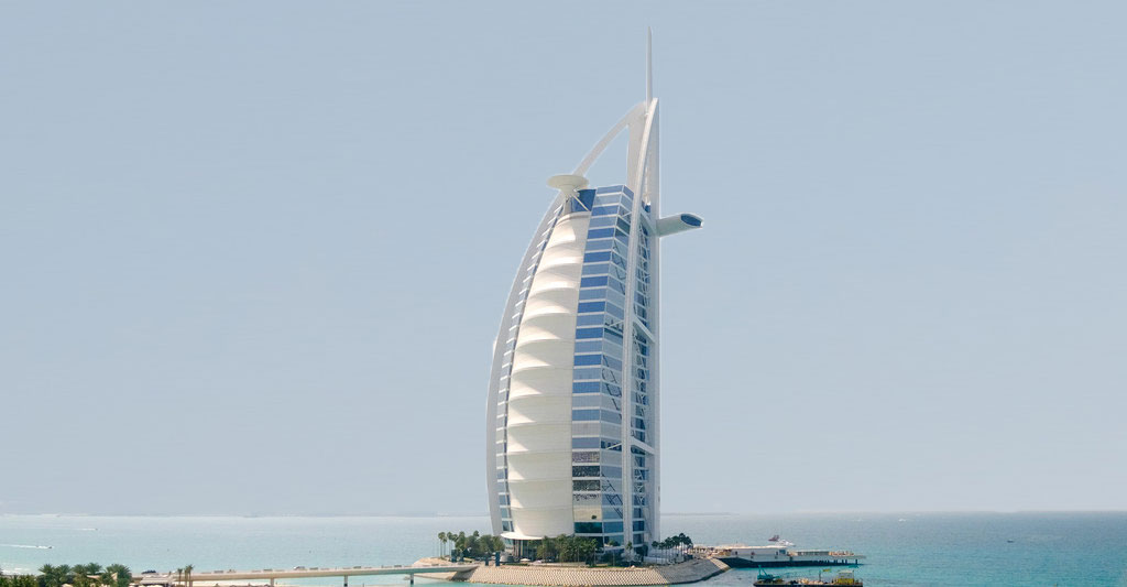 How did Tom Wright use a membranous façade to save The Burj Al Arab from becoming a 321m high oven?